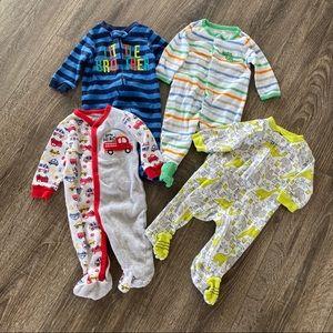 Baby boys 0-3 month lot of sleeper pajamas